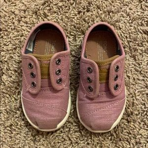Toddler Girls pink TOMS. Slightly used.